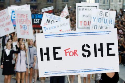chanel desfile de marcha feminista