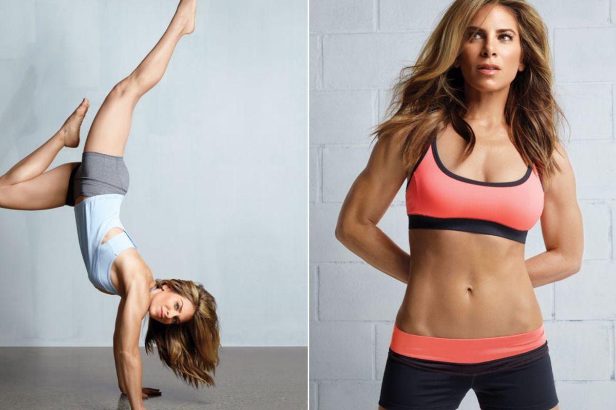 4 celebridades Fitness a seguir se muestran en ropa deportiva