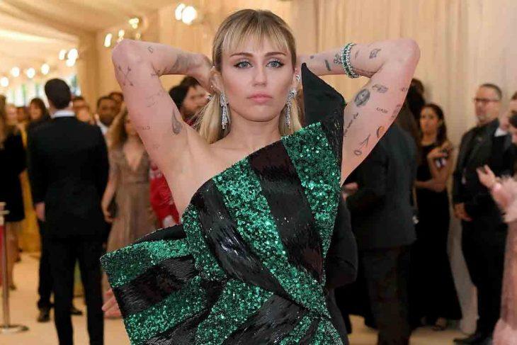 Miley Cyrus se va con todo sobre la semana de la moda