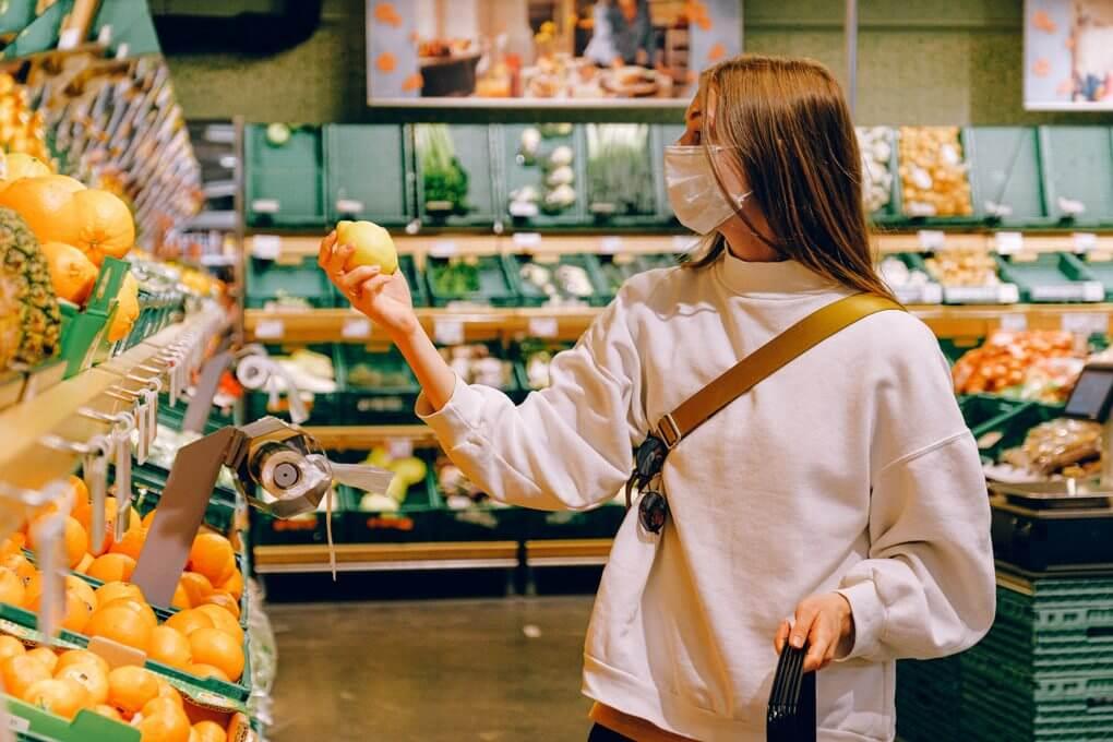Compras esenciales en el supermercado