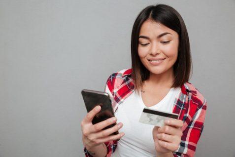 Bancos emiten tarjetas