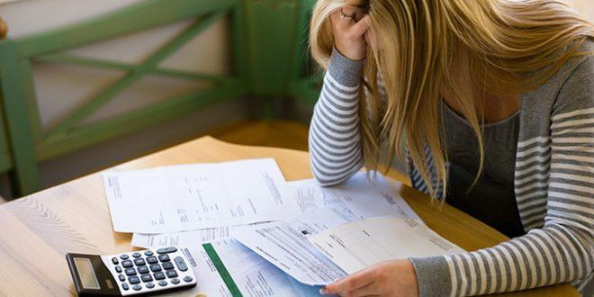 Si eres estudiante evita las deudas